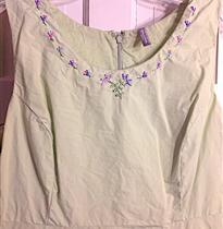 小花朵衣领简单