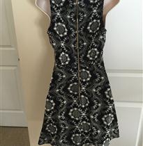 满幅绳绣曲线抽象连衣裙