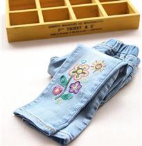 花朵刺绣牛仔裤