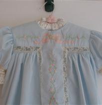小花条绣花衣